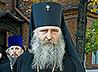 Архиепископ Сергиево-Посадский Феогност помолился в Ново-Тихвинском монастыре