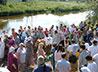 Сотни человек прибыли в пос. Станционный-Полевской для участия в таинстве Крещения