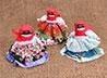 Пятиклассники Тавды смастерили для мам кукольных ангелочков