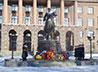 Представители Екатеринбургской епархии возложили венки к памятнику маршалу Г.К. Жукову