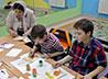 Пасхальные открытки готовят для благотворительной ярмарки в храме на Краснолесье