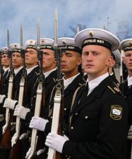 Митрополит Кирилл поздравил адмирала В.И. Королева с Днем образования Северного флота