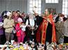 Народные пасхальные гуляния в Качканаре завершились молебном на месте будущего храма
