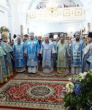 Сонм архипастырей совершил Божественную литургию в Свято-Покровском монастыре в день празднования 400-летия обители