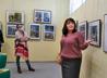 Персональную выставку картин устроили для талантливой девочки из многодетной семьи