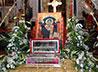 В Храме-на Крови у мощей святителя Спиридона побывали паломники из Троицкой епархии во главе с архипастырем