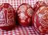 К росписи пасхальных яиц приступили в первоуральских храмах