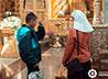 Сестра милосердия помогает детям обрести доверие к взрослому миру