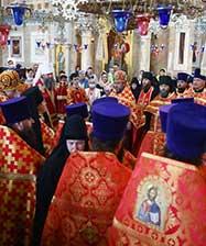 «Восточный крестный ход» с великой святыней начался от Александро-Невского Ново-Тихвинского собора Екатеринбурга