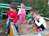 Женщины с детьми находят убежище в православном приюте