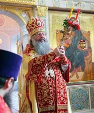 В неделю апостола Фомы митрополит Кирилл совершил Божественную литургию в Преображенском храме Екатеринбурга