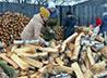 Благодаря акции «Подари дрова» многодетная семья из д. Чечулина будет зимовать в тепле