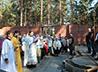 В строящемся храме Компрессорного поселка состоялась первая литургия