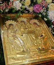 Митрополит Евгений совершит праздничную литургию в день Святой Троицы