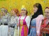 Показ коллекции русских платьев организовали певчие зареченского прихода
