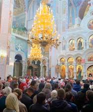 В храмах Екатеринбургской митрополии зачитано послание митрополита Кирилла