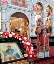 В День рождения Царя-страстотерпца Николая II митрополит Кирилл совершил Божественную литургию в Храме на Крови