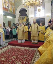 Митрополит Кирилл и епископ Алексий совершили Божественную литургию в день 20-летия Храма-Памятника на Крови