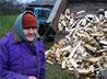 В Каменской епархии стартовала акция «Подари дрова»