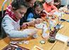На «семейном» уроке учащиеся воскресной школы Казанского монастыря расписали пряники