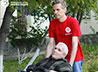 Обитателям дома престарелых помогают волонтеры-мужчины