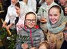 Около тысячи детей встретили праздник Входа Господня в Иерусалим на архиерейской Литургии