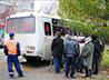 Сотрудники «Автобуса милосердия» помогают бездомным восстановить личность