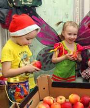 Традиционная рождественская акция «Подарите детям праздник!» стартовала в Ново-Тихвинском монастыре