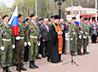 Перед началом армейской службы новобранцы получили благословение священника.