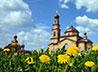 Священник села Полдневая организовал для детей игровую площадку