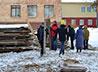 Трудовой десант помог сестрам Скорбященской обители очистить территорию храма от «лесов»