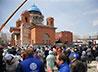 К Пасхе Успенский собор на ВИЗе увенчался куполом, шпилем и крестами