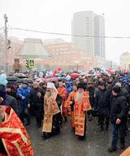 В общегородском крестном ходе и Пасхальном празднестве приняли участие более 20 000 человек