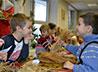 В Доме детского творчества поселка Сосьва осень проводили творчески