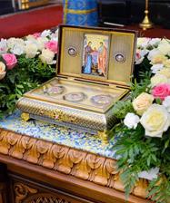 «Попросить Божию Матерь о всякой помощи»: священник Максим Миняйло о молитве у прибывшей святыни - частице Пояса Пресвятой Богородицы