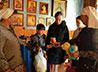 Канцелярские наборы от сестер милосердия получили тавдинские школьники