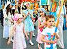 Юные нижнетурьинцы впервые влились в крестный ход в Царские Дни