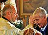 Сотни тагильчан принимают таинство Соборования в Свято-Троицком Архиерейском подворье