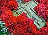 На архиерейском богослужении в Новоуткинске почтили Крест Господень