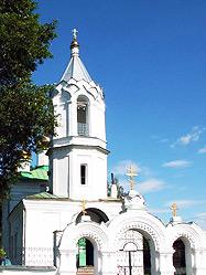 Сотни паломников Урала и Сибири собрались в селе Савино на престольный праздник храма во имя Святой Параскевы