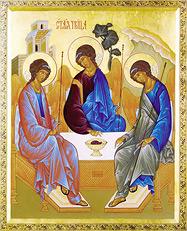 Многолюдными богослужениями Средний Урал отпраздновал Троицу