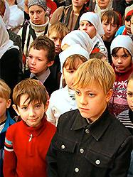 Церковные иерархи побывали в гостях у воспитанников православного класса екатеринбургской школы «Источник»