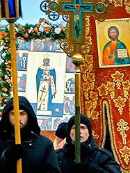 В честь праздника святой Екатерины по улицам уральской столицы прошел Крестный ход с мощами великомученицы