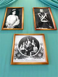 Уникальная выставка фотографий о Царской Семье открылась в Уральском горном университете